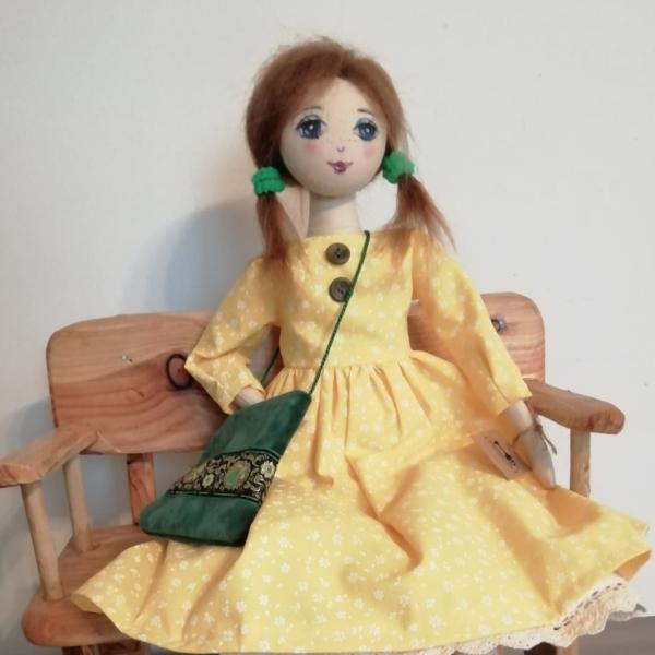 LALKA  w żółtej sukience